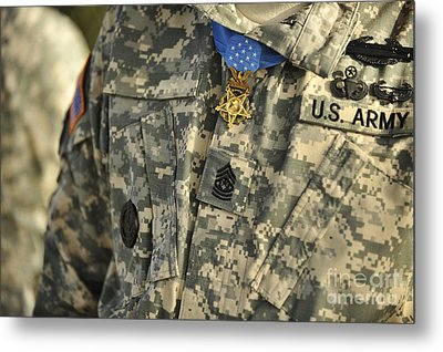 The U.s. Army Medal Of Honor Is Worn Metal Print by Stocktrek Images
