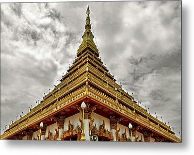 Triangle Pagoda Metal Print by Suradej Chuephanich