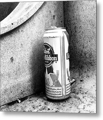 Tripleb. Beer, Butts, Bench. #chicago Metal Print by Paul Velgos