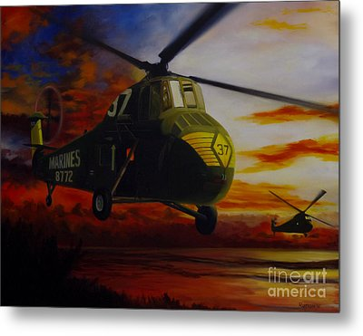 Metal Print featuring the painting Uh-34d Over The Beach by Stephen Roberson
