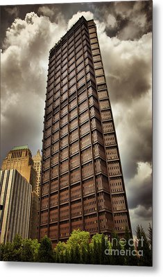 Us Steel Building Pittsburgh Hdr Metal Print by Amy Cicconi