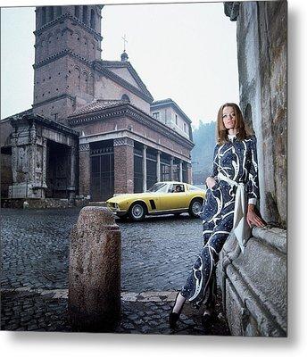 Veruschka Von Lehndorff Standing In Piazza Di San Metal Print