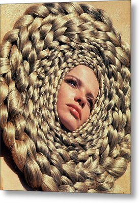 Veruschka Von Lehndorff's Head Surrounded Metal Print