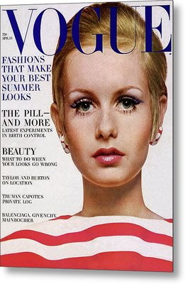 Vogue Cover Of Twiggy Metal Print by Bert Stern