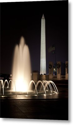 Washington Monument And Wwii Memorial  Metal Print by Regina  Williams