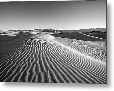 Waves In The Distance Metal Print