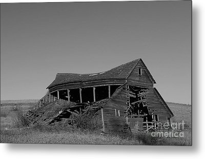 Weatherd Barn Metal Print