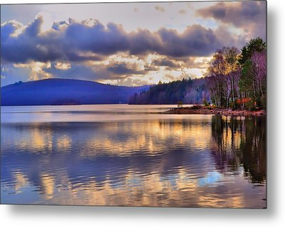 Winters Lake Metal Print by Dave Woodbridge