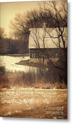 Wisconsin Barn In Winter Metal Print by Jill Battaglia