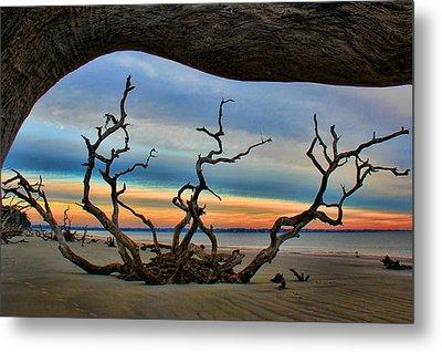 Wood Frame At Roots Beach Metal Print by Leslie Kirk