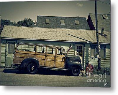 Woody Bus Metal Print by Alana Ranney