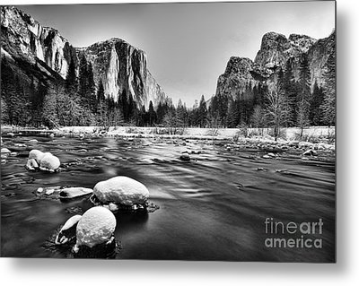 Yosemite Valley Metal Print by Peter Dang