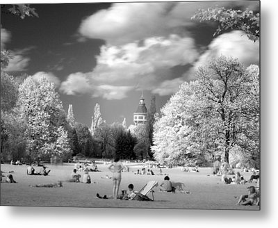 In Park Metal Print by Odon Czintos
