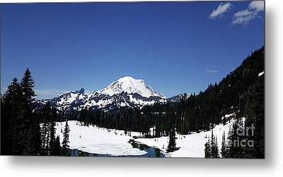 Mt Rainier Metal Print