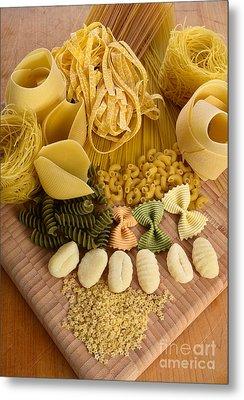 Pasta Metal Print by Photo Researchers, Inc.