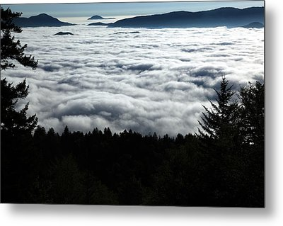 Metal Print featuring the photograph Valley Of The Clouds by Doug McPherson