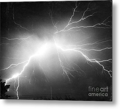 Lightning Metal Print by Science Source