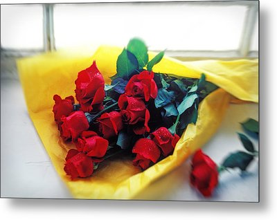 A Dozen Red Roses Metal Print by Garry Gay