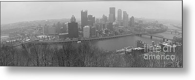 A Pittsburgh Winter Day Metal Print by David Bearden