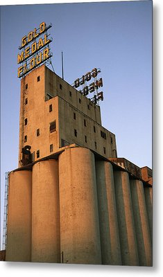 A View Of The Washburn Crosby A Mill Metal Print by Ira Block