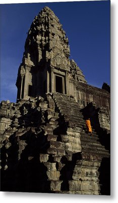Angkor Wat Temple Complex With Ornate Metal Print by Paul Chesley
