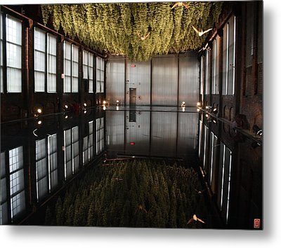 Between Heaven And Earth Metal Print by Pat Purdy
