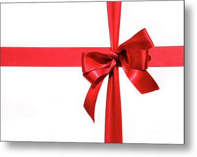 Big Red Holiday Bow On White Metal Print by Sandra Cunningham