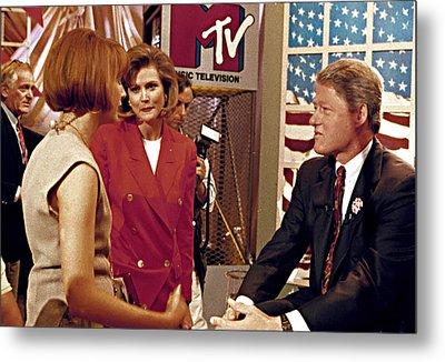 Bill Clinton, Being Interviewed Metal Print by Everett