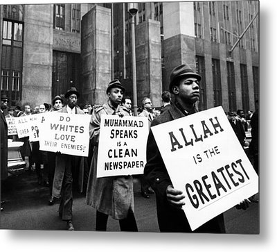 Black Muslims Picket Front Of New York Metal Print by Everett