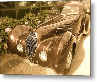 Metal Print featuring the photograph Bristol Teardrop Special by John Colley