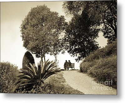 Couple On The Bench In Venice Metal Print by Madeline Ellis