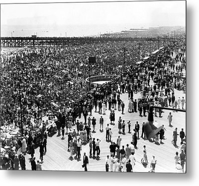 Ev1979 - Coney Island, Ny, On July 4 Metal Print by Everett