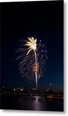 Fireworks Over Lake Washington Metal Print by David Rische