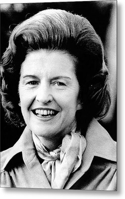 First Lady Betty Ford Talks To Newsmen Metal Print by Everett