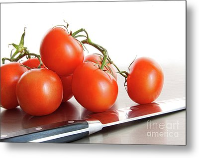Fresh Ripe Tomatoes On Stainless Steel Counter Metal Print by Sandra Cunningham