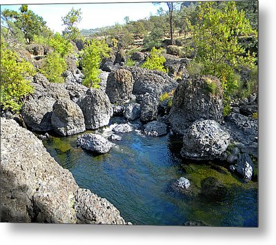 Giant Basalt Boulders Swimming Hole Metal Print by Frank Wilson