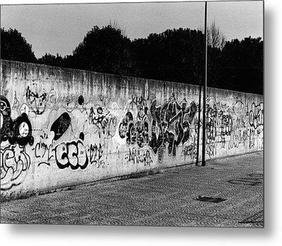 Graffiti In Rome Metal Print by Luca Rosa