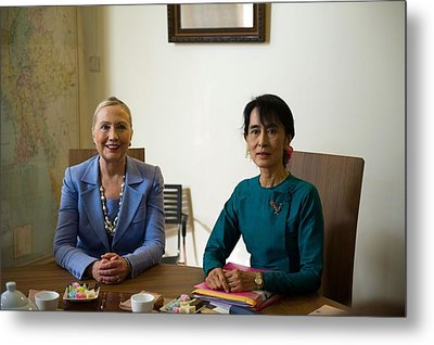 Hillary Clinton Visited Daw Aung San Metal Print by Everett