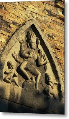 Hindu-influenced Art Above The Entrance Metal Print by Steve Raymer