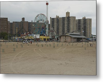 Looking Across The Beach To The Ferris Metal Print by Todd Gipstein