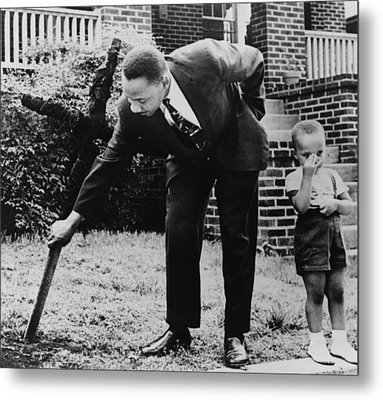Martin Luther King, Removes A Kkk Cross Metal Print by Everett