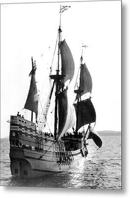Mayflower II, Plymouth Harbor Metal Print by Everett