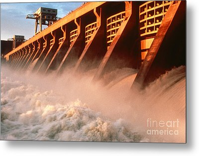 Mcnary Dam Metal Print by DOE/Science Source