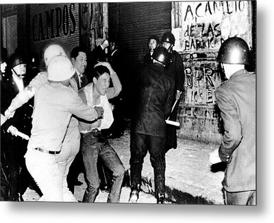 Mexico City  Riot Police Battle Metal Print by Everett