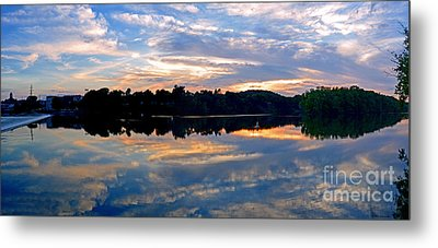 Mirror Mirror On The Water Metal Print by Sue Stefanowicz