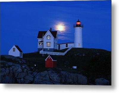 Moonrise Over The Nubble Lighthouse Metal Print