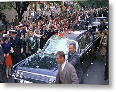 Motorcade Of President Lyndon Johnson Metal Print by Everett