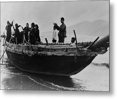 North Vietnamese Refugees Arrive At Da Metal Print by Everett