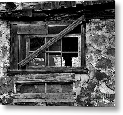 Old Barn Window Metal Print by Perry Webster