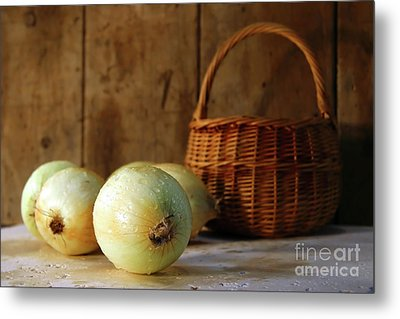 Onions On The Counter Metal Print by Sandra Cunningham